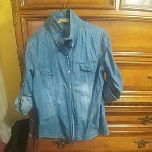Fitted Button front jeans shirt